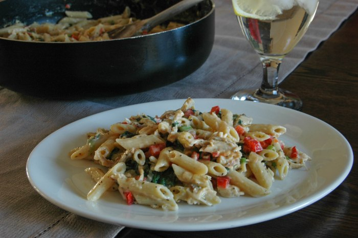 Shredded Chicken Pasta with Spinach and Red Peppers3