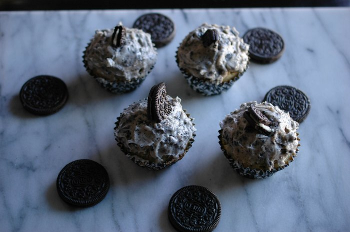 cookies and cream cupcakes (1 of 1)-7