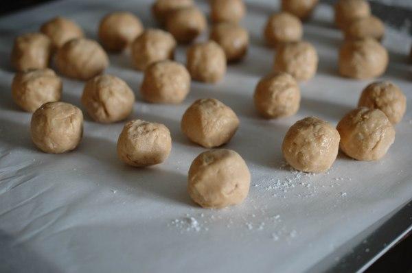 Peanut Butter Crispy Truffles (1 of 1)-2