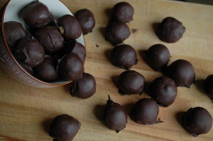 Peanut Butter Crispy Truffles (1 of 1)-5