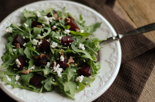 beet arugala goat cheese salad-5