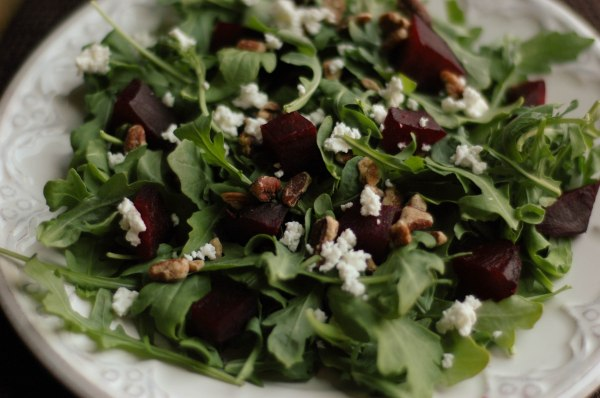 beet arugala goat cheese salad-7